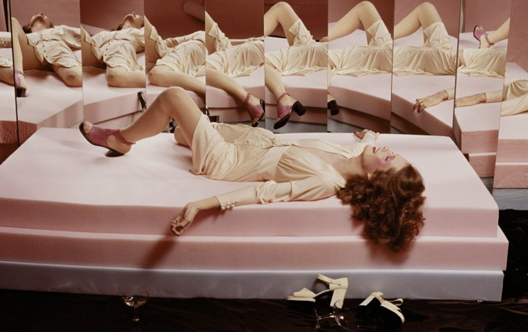 guy-bourdin-french-vogue-march-19721
